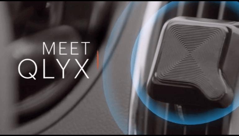 スマートな携帯ホルダー「QLYX」取り付けるだけでカーナビアプリを自動起動