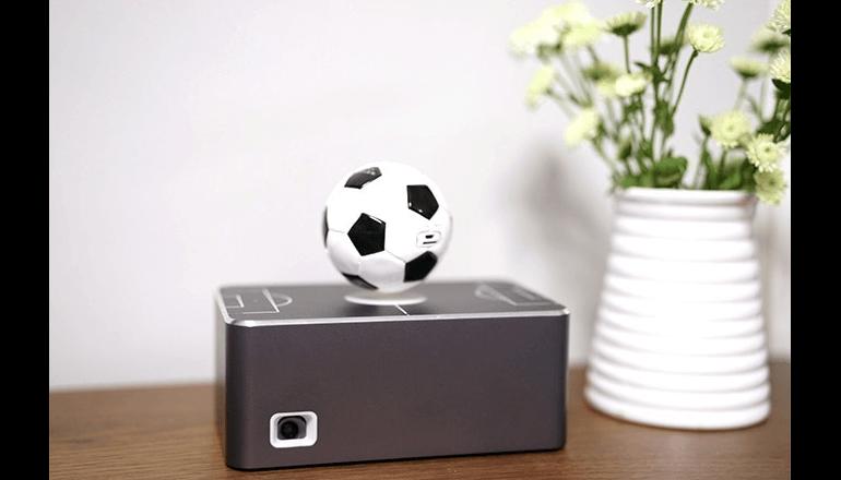 サッカーボールが特徴の最新スマートプロジェクター「Levixtor MBox」
