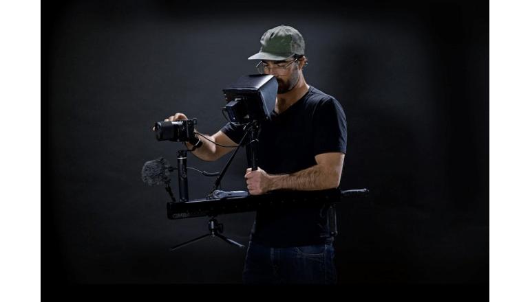 片手でも扱えるカメラ用ジンバル「The GimbalGun」