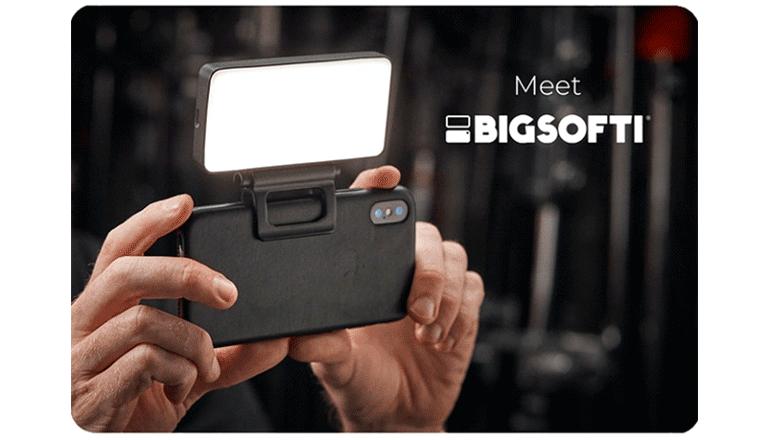 ラップトップからスマホまで使えるポータブル撮影ライト「BIGSOFTI」