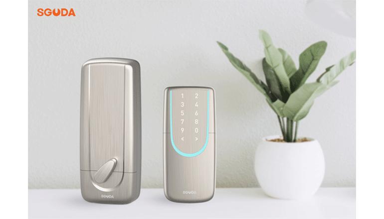 Wi-FiとBluetooth内蔵でスマートに使えるドアロック「SGUDA」