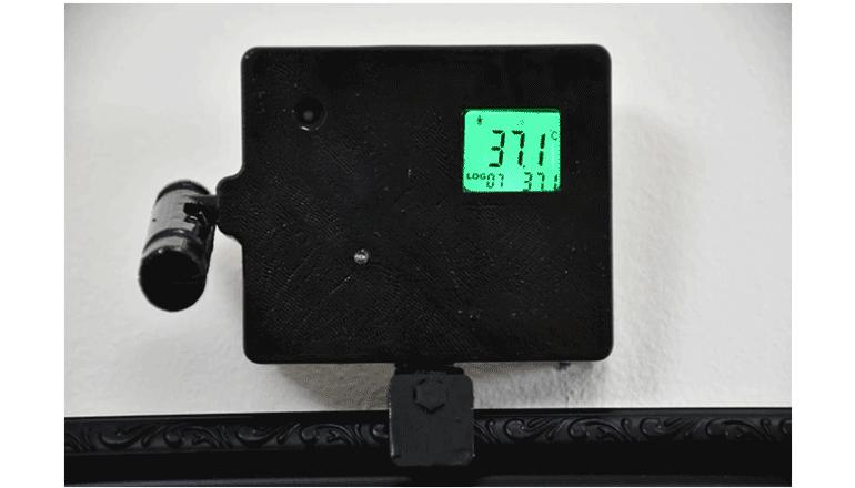 アプリでの記録・シェア機能を搭載した非接触型、ミラー備え付けの温度センサー「MirrTemp」