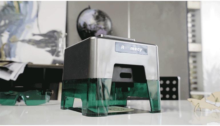コンパクトでスタイリッシュな最先端のレーザー彫刻機「Runmecy」