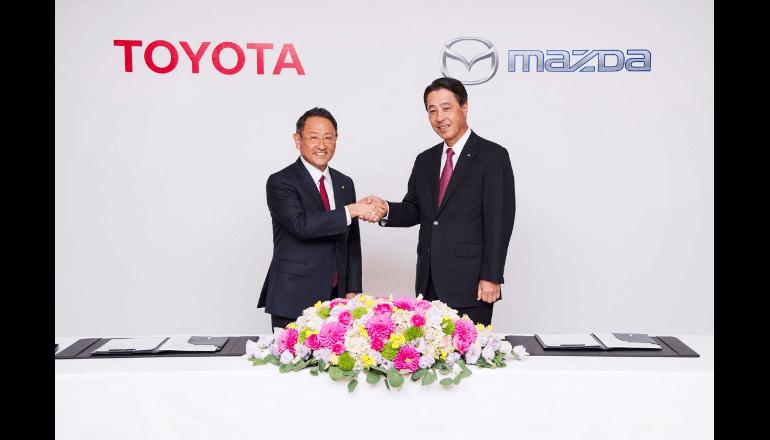 トヨタとマツダ、電気自動車(EV)の共同開発などに合意