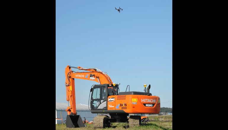 i-Construction、事業者コラボにて無人航空機デモ