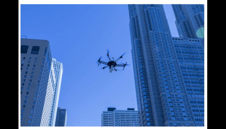 ドローンの自動飛行を活用した超高層ビル街での災害対応実証実験