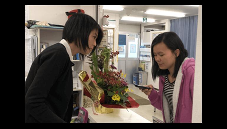 50言語対応翻訳機で訪日外国人とのコミュニケーションを活性化