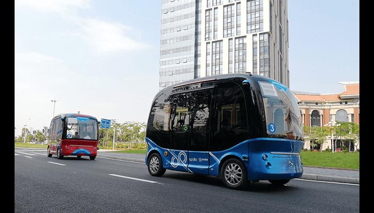 日本国内で自動運転バスの実用化に向けて