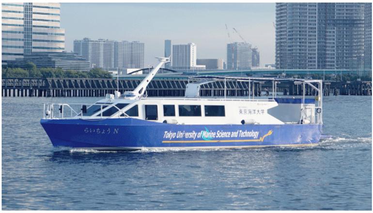 モバイル型燃料電池システムで東京湾を航行する