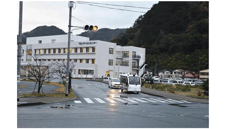 ケータイ電話網にて公道の信号制御と自動運転を連係
