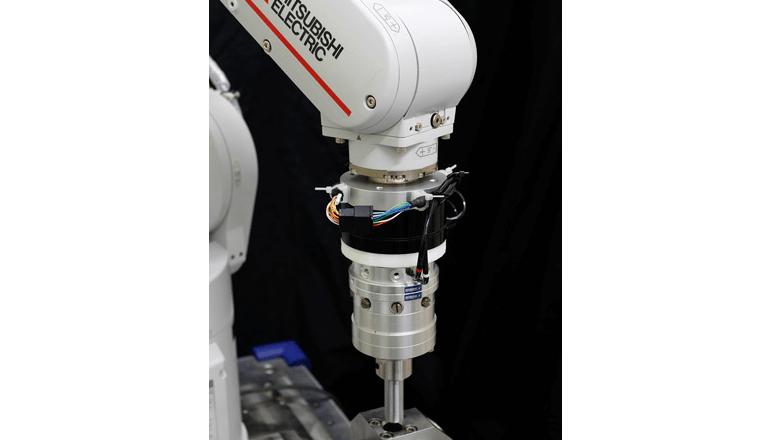 AIを活用して人のように柔軟で速い自動組み立てを実現、三菱電機